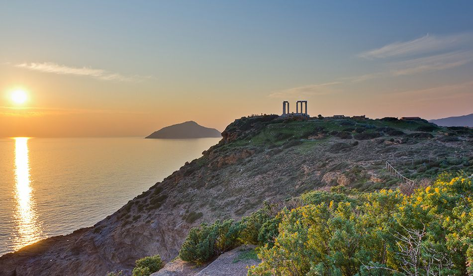 Wine harvest tour, making wine experience, Greek private tailormade food and wine tours ,Athens by certified sommelier wine tour, luxury family wine tour, Sounio culture tour