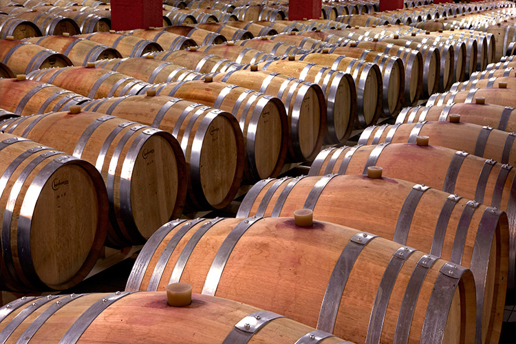 greece-wineries-megaspilaio-4