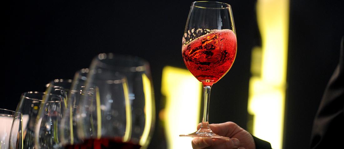 the wineconnoisseurs tour - vertical masterclass